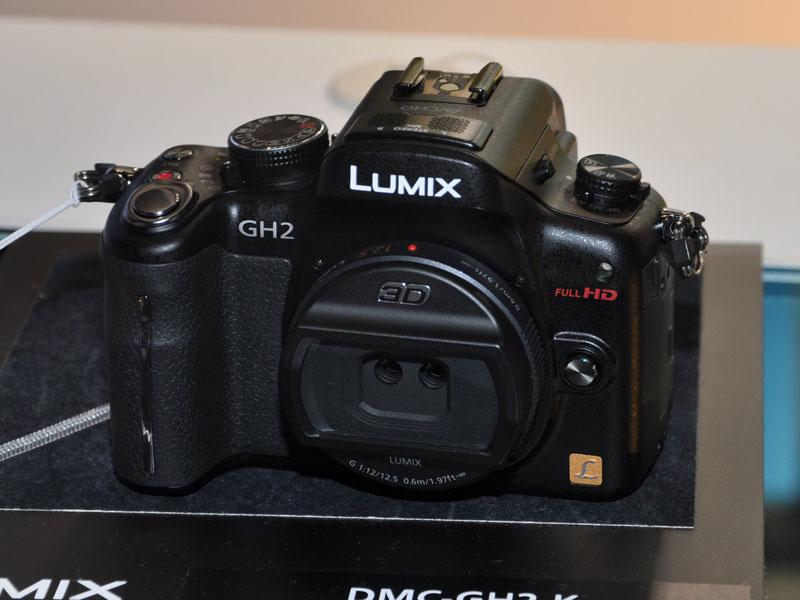 LUMIX GH2に3Dレンズを装着