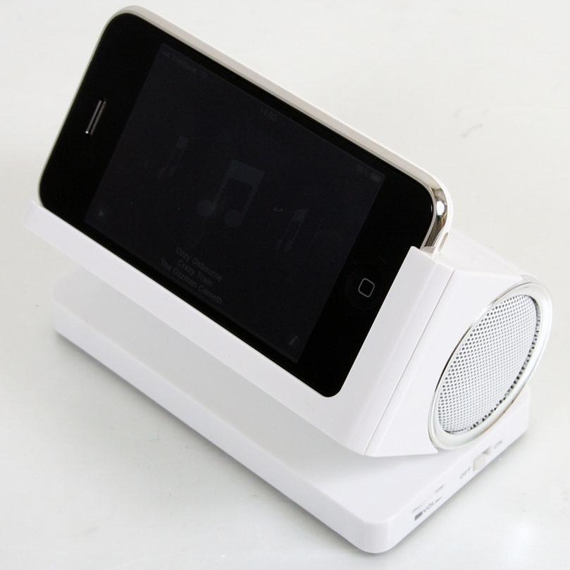 スピーカースタンド for iPhone。iPhoneは別売