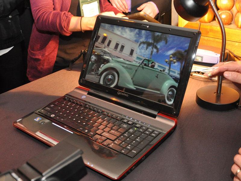 米国で2011年内の発売を目指す「グラスレス3D PC」
