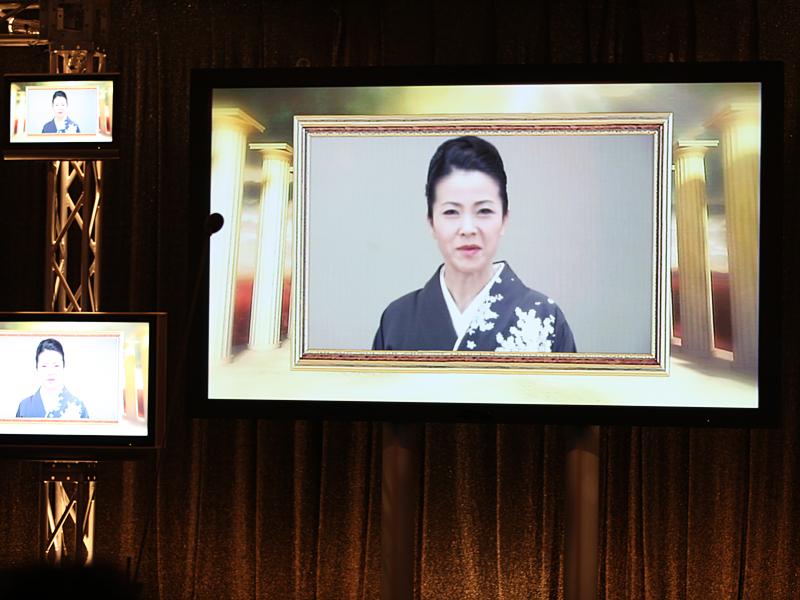 「ザ・ベスト・演歌/歌謡曲・アーティスト」を受賞した坂本冬美さんは、ビデオでコメントした