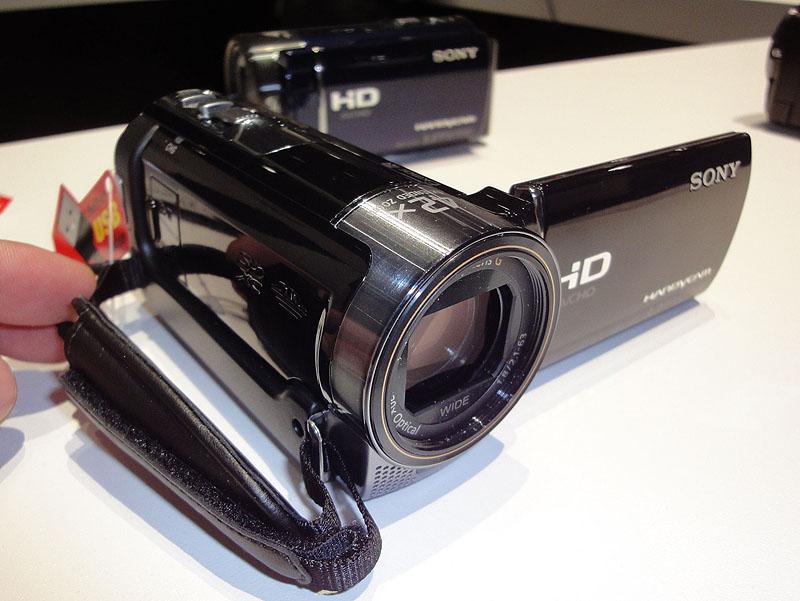 内蔵メモリ有りのエントリーモデル、HDR-CX160