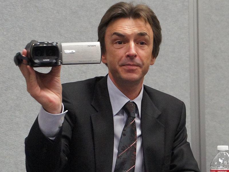 すべて内製で作られたという3Dビデオカメラ「HDR-TD10」