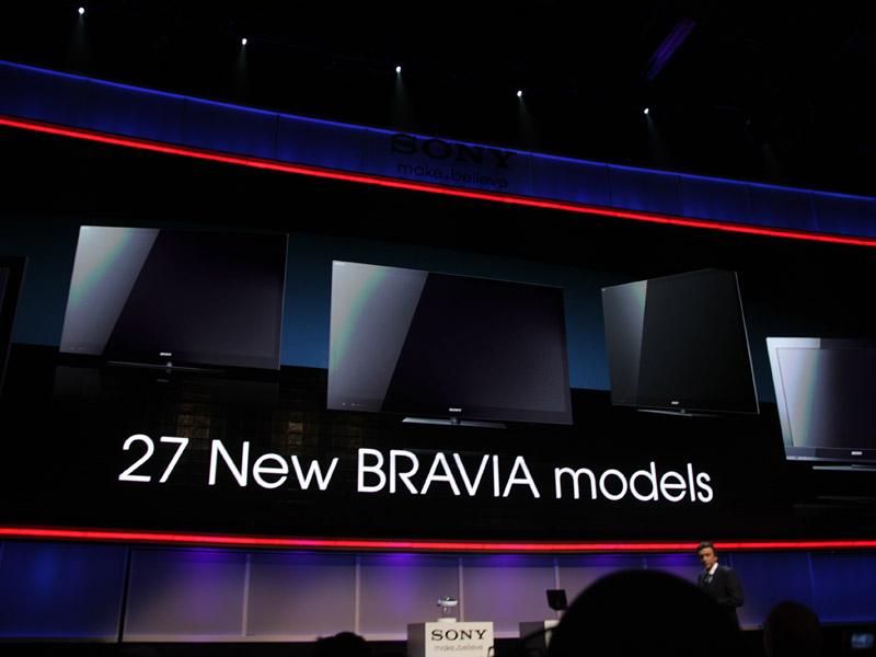 液晶テレビBRAVIAでは、最上位モデル「XBR HX929シリーズ」を含む9シリーズ27モデルが発表された
