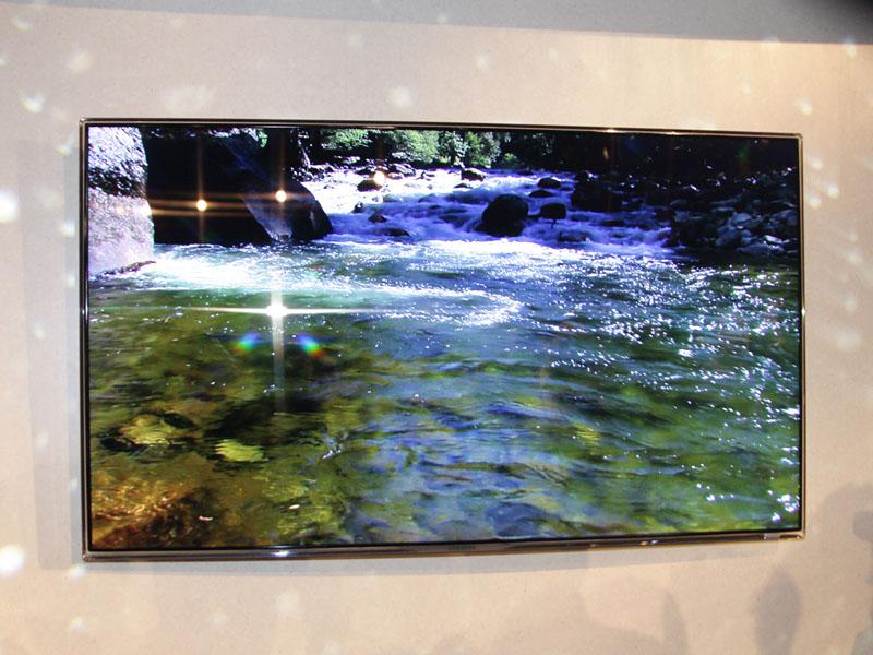 サムスンのベゼル幅0.2インチの液晶テレビ「Series 8000」