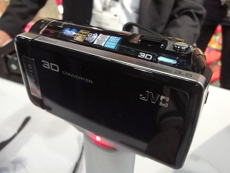 2D-3Dコンバータ搭載のJVC「GZ-HM960」