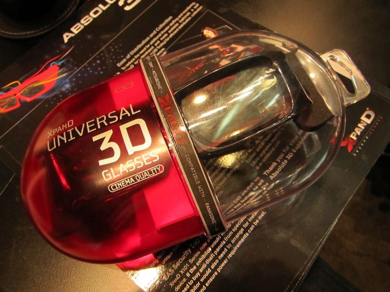 """現在XpanDが市販している""""ユニバーサル""""3Dメガネ"""