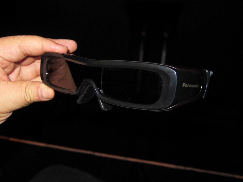 標準仕様に改造されたパナソニックの3Dメガネ