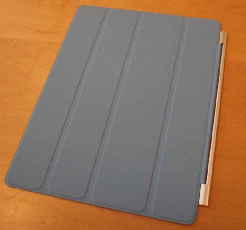 ポリウレタン仕様のSmart Cover。カラーはレザー版よりポップになっている。写真は4色だが、トータルで6色。アメリカでは39ドルで販売される予定