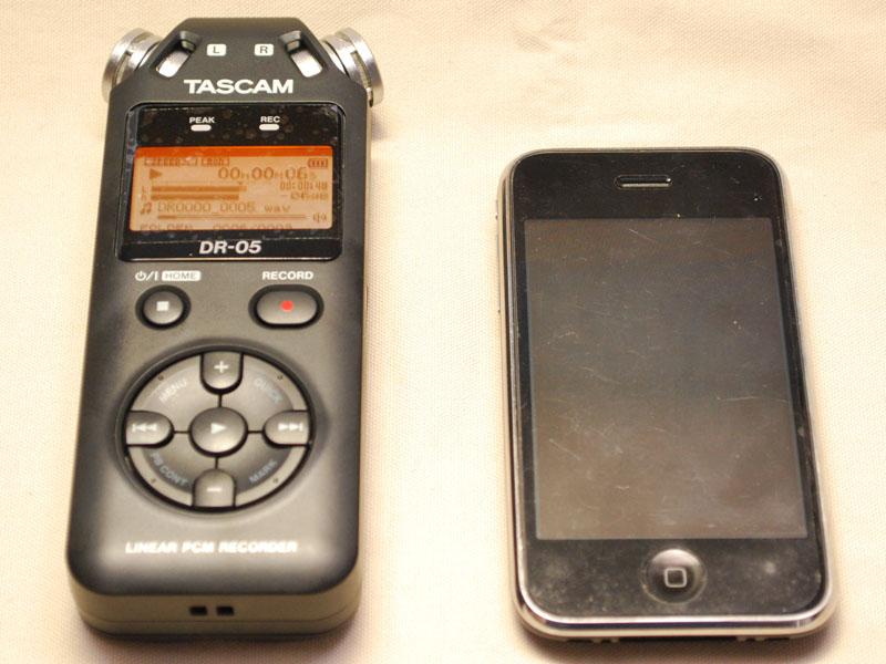 iPhone 3GS(右)とサイズ比較