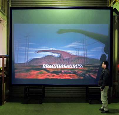 PAシリーズの200型を使った3D映像投写のテスト風景