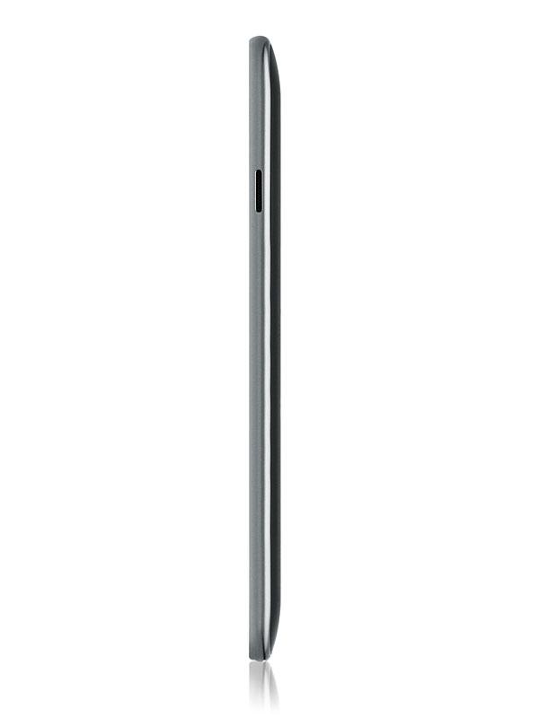 10.1型の側面。薄さは8.6mm
