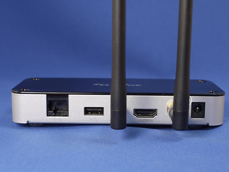 背面の端子類。HDMI端子が付いているところがポイント