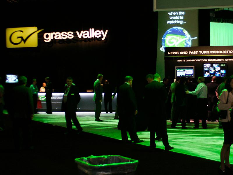 幅広い製品を扱うGrassValleyブース