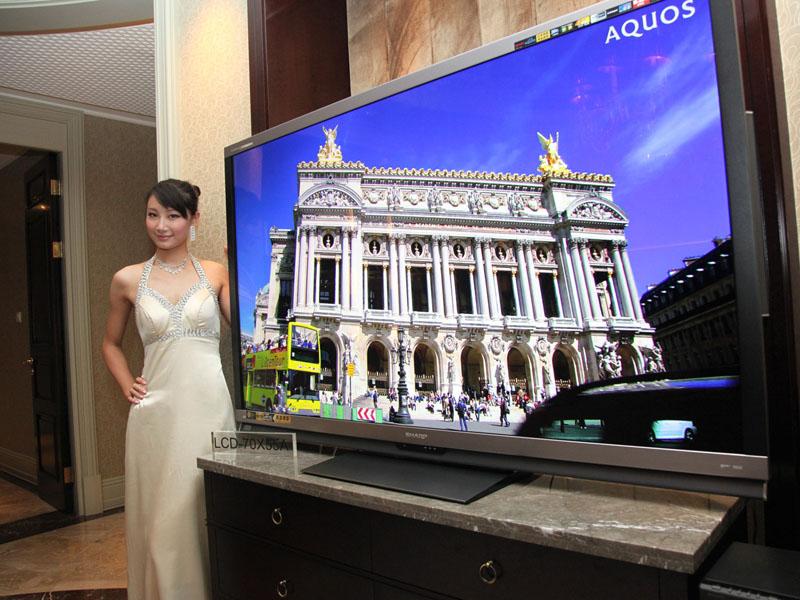 中国 上海で70型AQUOS 2モデルを発表