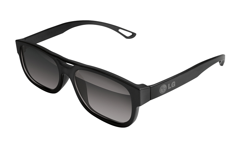 LGエレクトロニクス、LW5700シリーズに付属する3Dメガネ。重さはわずか約16.5g