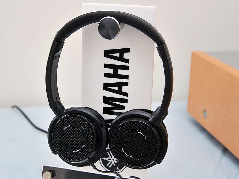 オープンエア型のヘッドフォン「HPH-200」