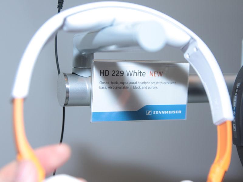 <CENTER>HD 229</CENTER>