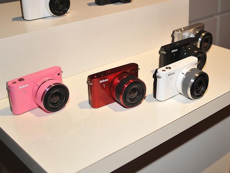 Nikon 1 J1のカラーバリエーション