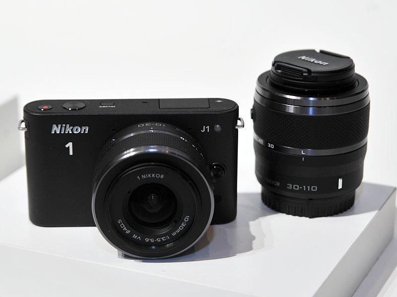 Nikon 1 J1のブラックモデル