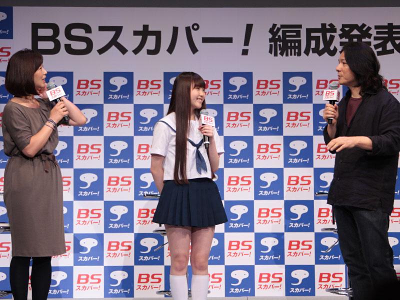 「friends after 3.11」出演の岩井俊二監督と、藤波心さん。左はMCの中井美穂さん
