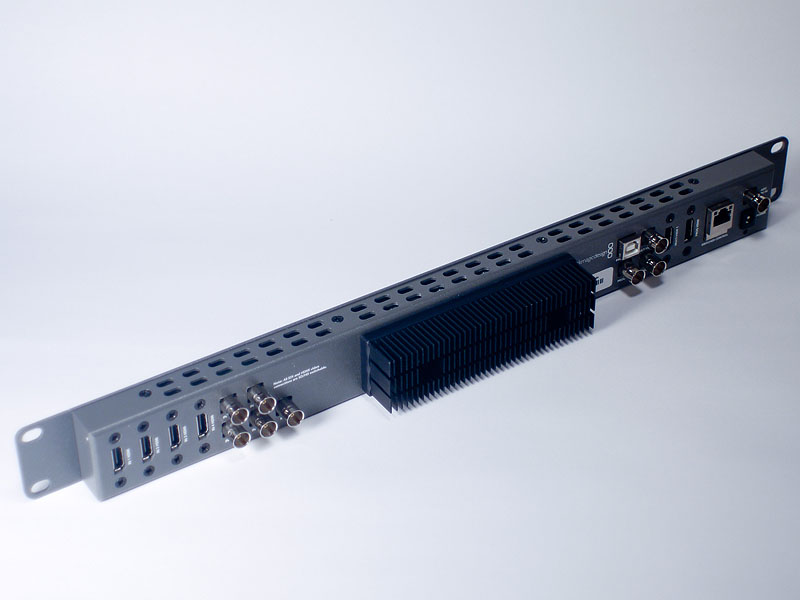 1UのHDMI/HD-SDIスイッチャー、ATEM Television Studio