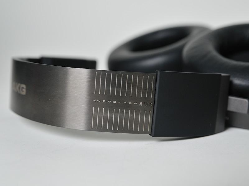 ヘッドアームの長さ調節はラチェット式