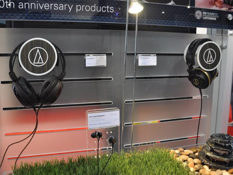 50周年モデルなどヘッドフォン新製品を展示