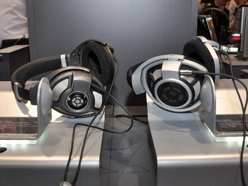 HD800と比較するとデザインイメージは踏襲しているものの、かなりの違いが感じられる
