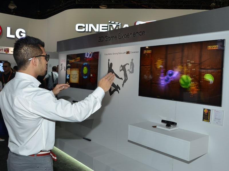 ブースではスマートTVでモーション入力ゲームがプレイできるようになるとアピール