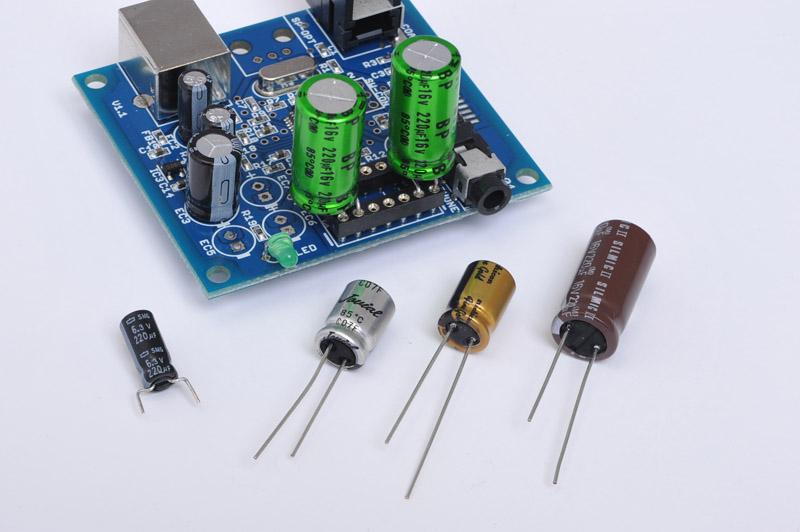 コンデンサ交換による音の変化も楽しめる。抵抗器の装着数によって出力インピーダンスが変化するので接続機器にあわせて変更する。これにより、大まかなボリュームを決定する。オプションとして交換用コンデンサセットも用意