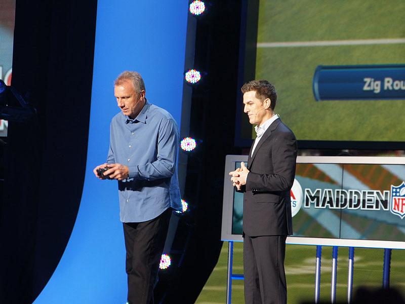 EAのフットボールゲーム「Madden13」のデモでは、往年の名クオーターバック、ジョー・モンタナが登場