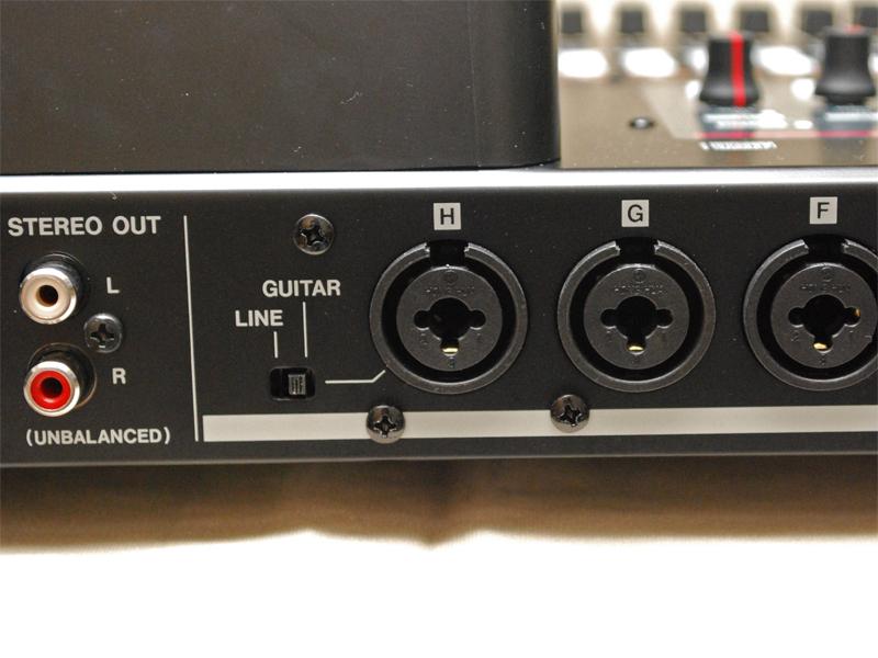 入力の一番左のHチャンネルはハイインピーダンス仕様/ラインの切り替えが可能