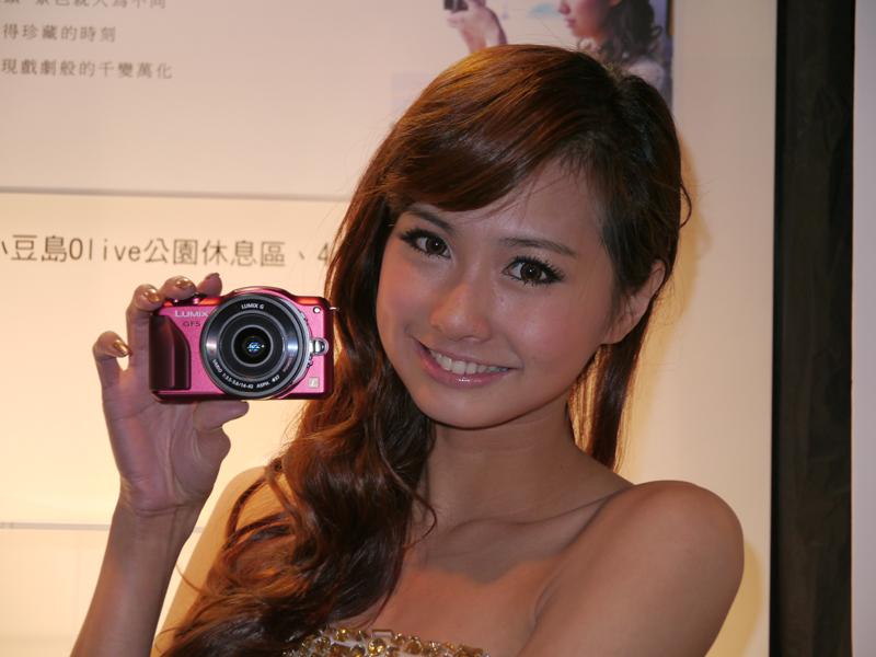 台湾市場で投入するレッドカラーのGF5