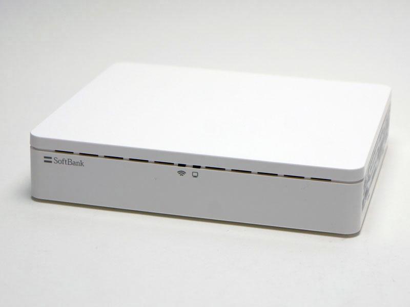 見た目はシンプルな白い箱