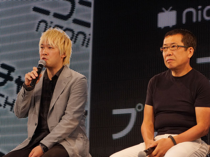 左から津田大介氏、佐々木俊尚氏