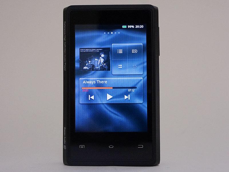起動した直後の画面。「HD Music Player」のウィジェットが表示されている