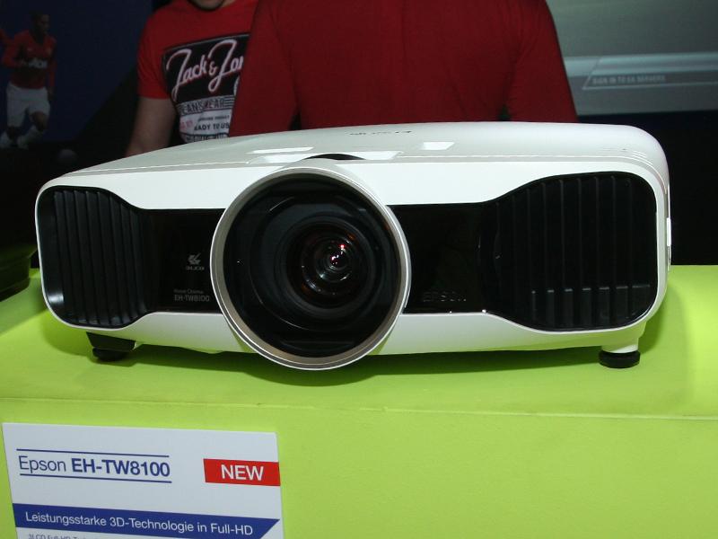 EH-TW8100