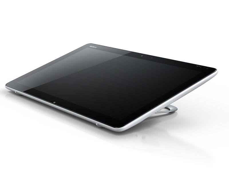 IFA 2012において発表されたWindows 8搭載のUltrabook「VAIO Duo 11」(左)とタブレット「VAIO Tap 20」(右)。いずれも価格や日本での発売予定は未定