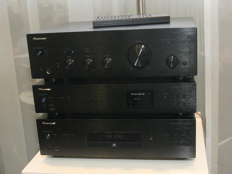 上からA-50、N-50、PD-50のブラック(K)