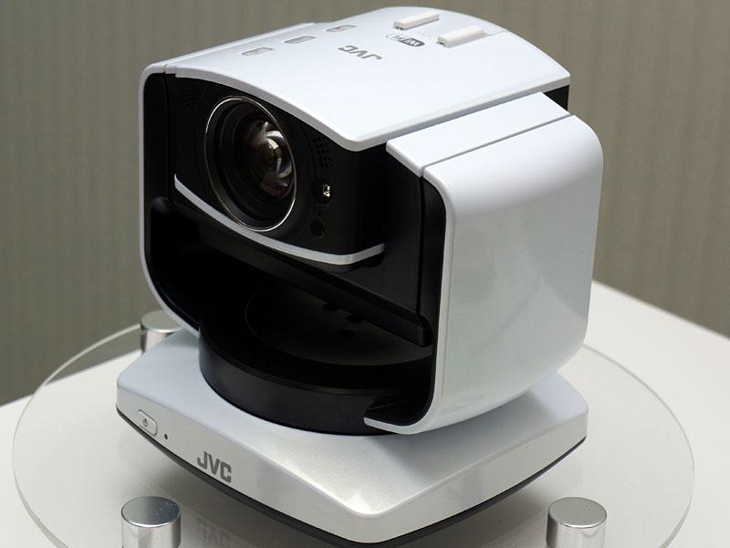 「GV-LS2」はパン・チルトシステムの上にカメラが乗っているような構造で、これ全体を三脚に乗せる事も可能