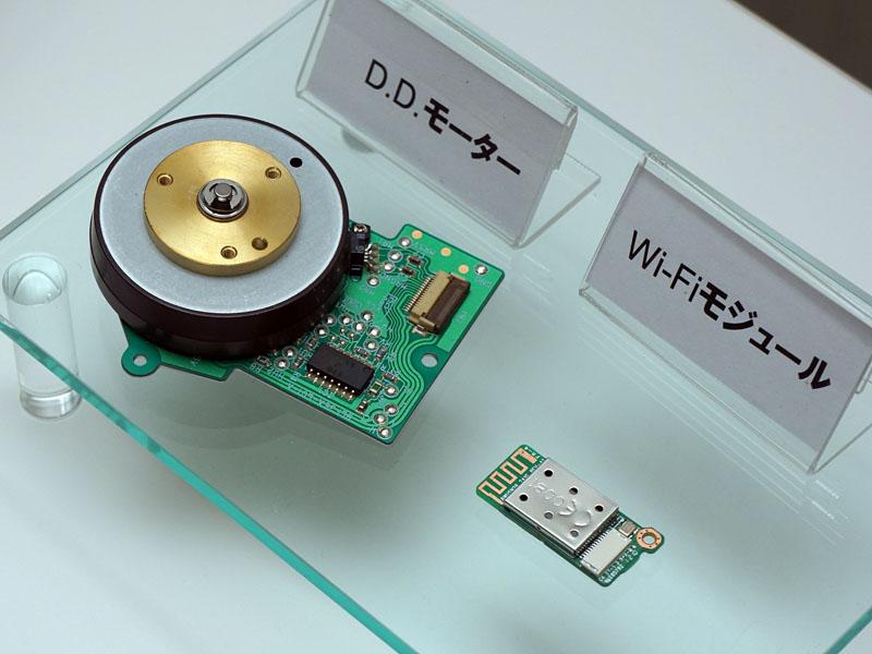 ツインDDモーターで、静かかつ高速なカメラ操作が可能