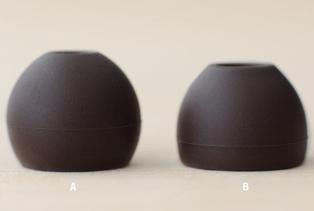 イヤーピースは2種類。左が遮音性の高いAタイプ、右が共振音の少ないBタイプ