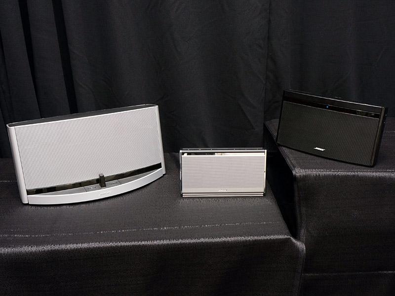 同日発表のSoundLink Bluetooth Mobile speaker II、SoundDock 10 Bluetooth digital music systemと並べたところ