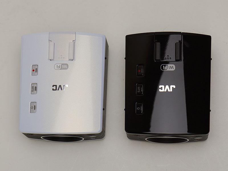 左がLS2、右がLS1。上部には最低限のボタンが配置されている