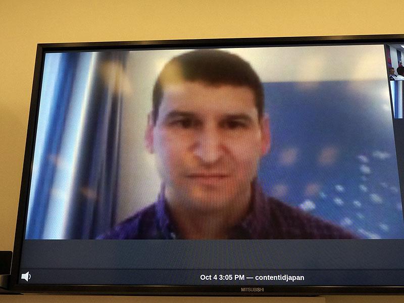 Google YouTubeプロダクトマネージャーのデービッド ローゼンシュタイン氏がドイツからビデオチャットで説明した