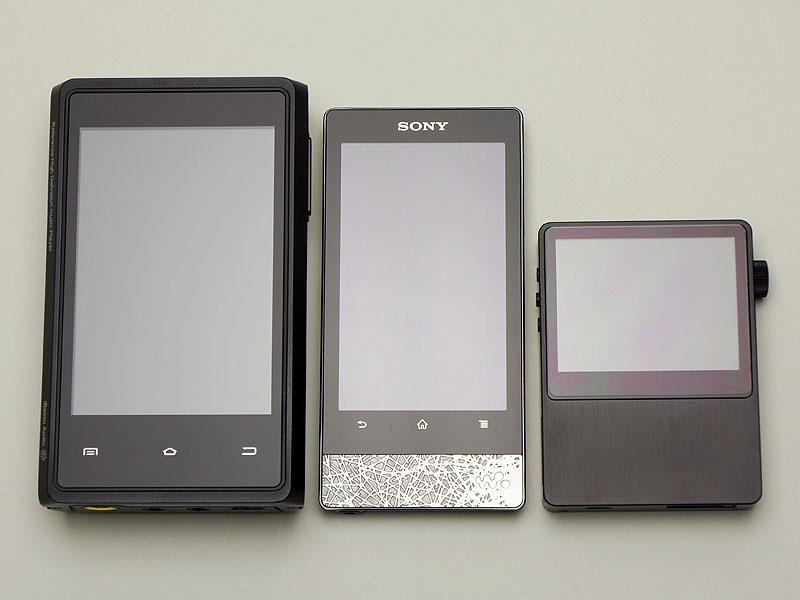 左から「iBasso HDP-R10」、ウォークマン「NW-F800」、AK100