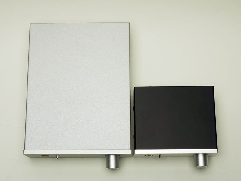 左が「RAL-DSDHA1」、右が「RAL-24192HA1」