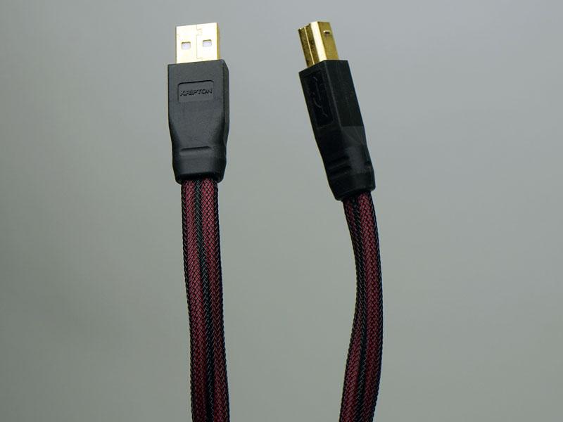 USBケーブルはクリプトンの「UC-HR」を使用