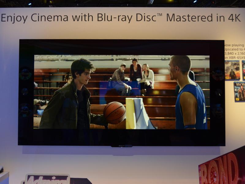 実際にTRILUMINOS Color対応Blu-rayソフトの再生デモが行なわれていた