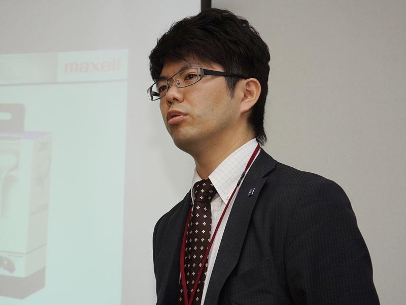 コンシューマ事業部 商品企画部 事業企画・宣伝グループの佐藤利一主任